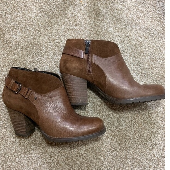 f098618ee2e2f Clarks Shoes | Artisan Womens Size 7 Brown Leather Boots | Poshmark